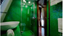 JAde yacht by CRN - Beautiful interior - bath